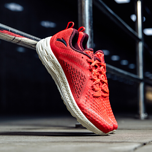 安踏 跑步系列 男子跑鞋-11825566