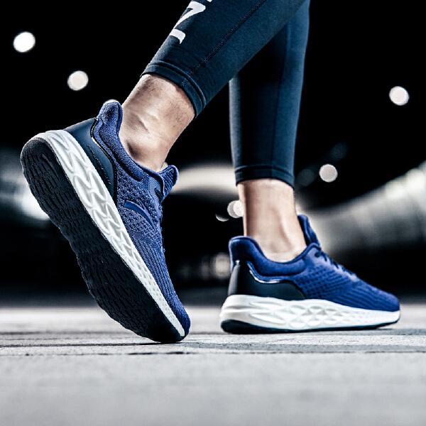 安踏 跑步系列 男子跑鞋-11835588