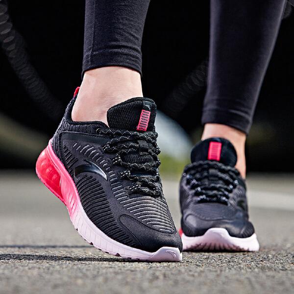 安踏 跑步系列 女子半掌弹力胶跑鞋-12735505
