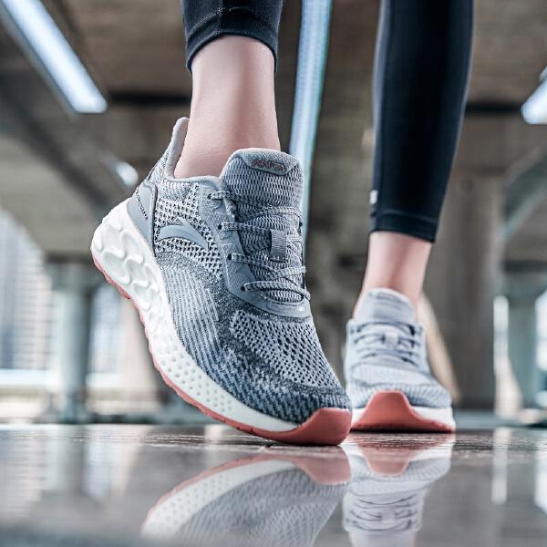安踏 跑步系列 女子跑鞋-12835588