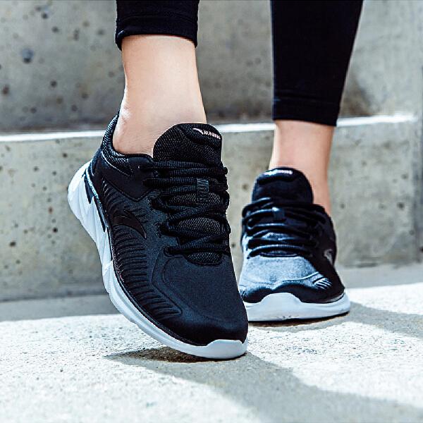 安踏 跑步系列 女子缓震跑鞋-92745520