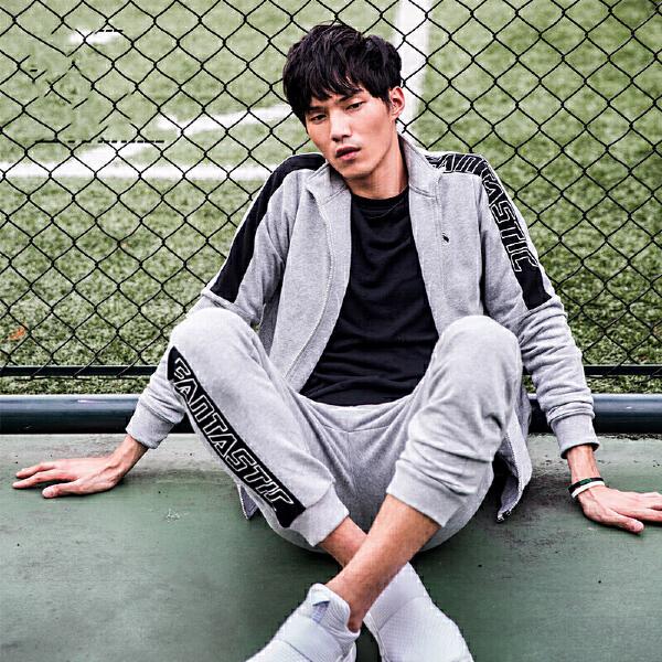 安踏 综训系列 男子修身针织运动套装-95737701